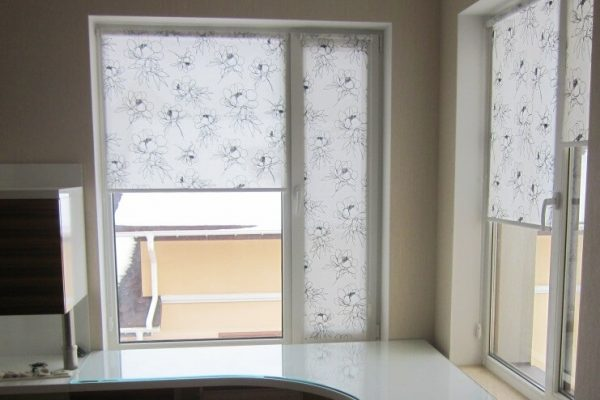 Design-Roller-Blinds-in-Gta