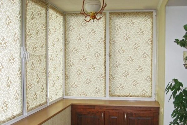 Elegant-Roller-Blinds