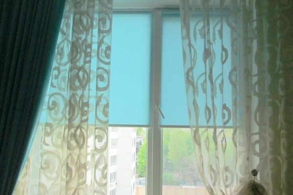 Light-Shadow-Roller-Blinds